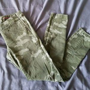Camouflage Gap Legging Jeans (Super Skinny)